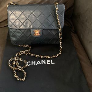 💕 Stunning Vintage Chanel Crossbody 💕